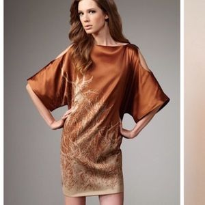 2B.Rych oversized cold shoulders silk deer dress